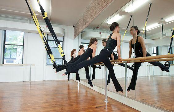 ejercicios trx piernas y gluteos