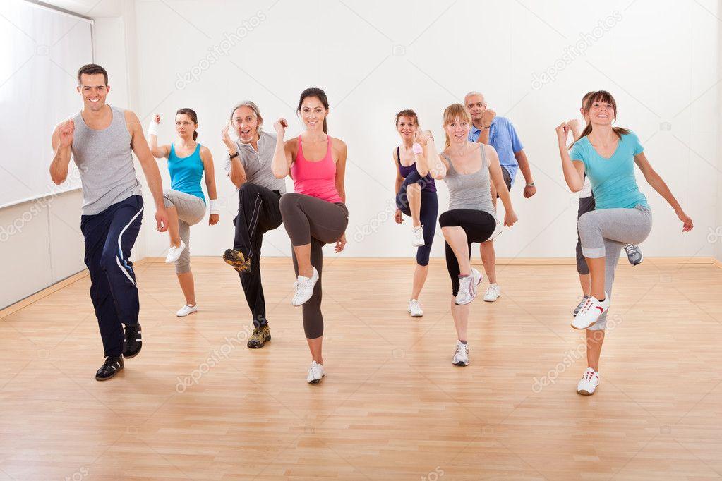 ejercicios aerobicos bailando