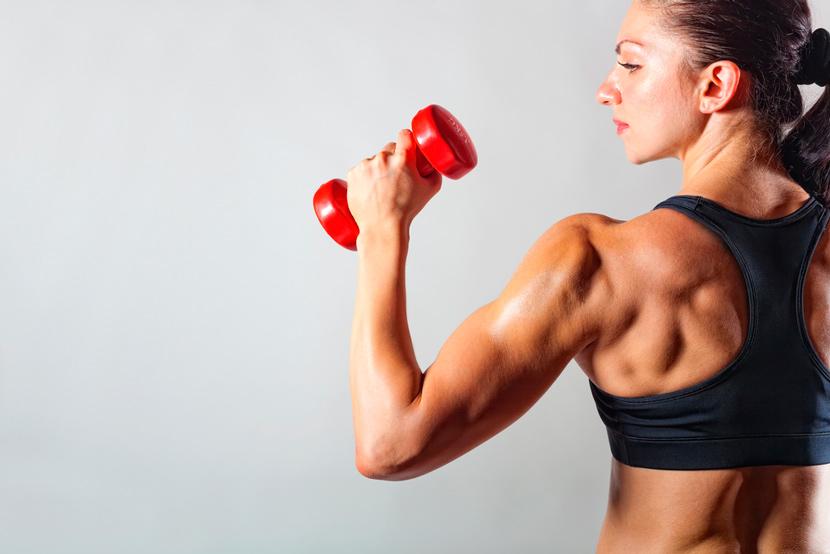 ejercicios de hombros fuertes