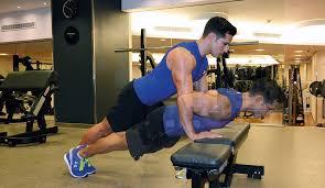 ejercicios triceps banco