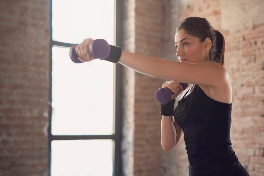 ejercicios pecho brazos y espalda