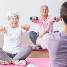 ejercicio para personas mayores estiramiento