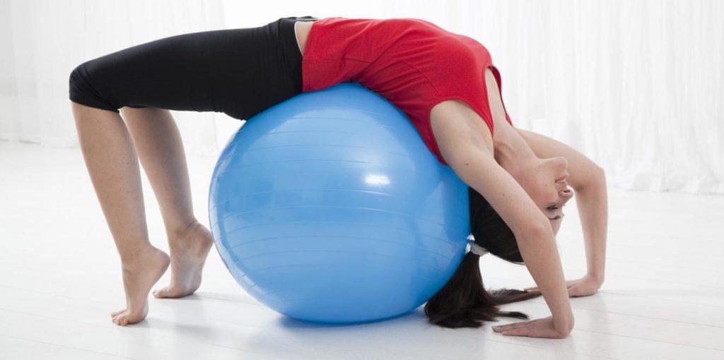 ejercicios con balon fitball