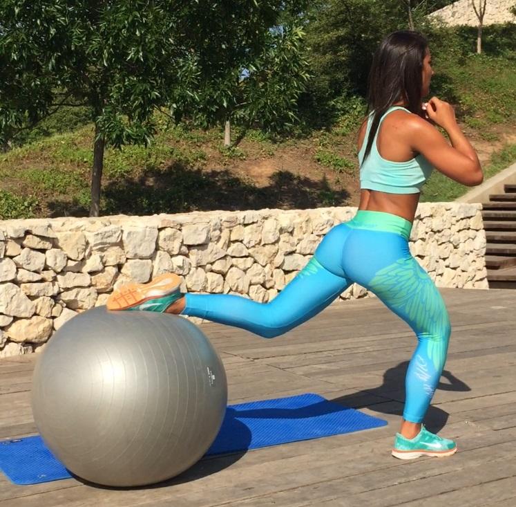 ejercicios-con-fitball para piernas